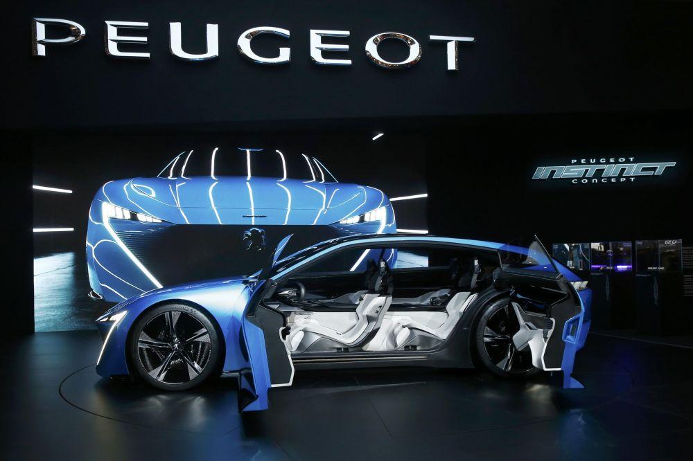 Gelecekte otonom sürüş fikrini teşvik eden Fransa merkezli otomotiv şirketi Peugeot, Cenevre'de Instinct Concept modelini tanıttı.
