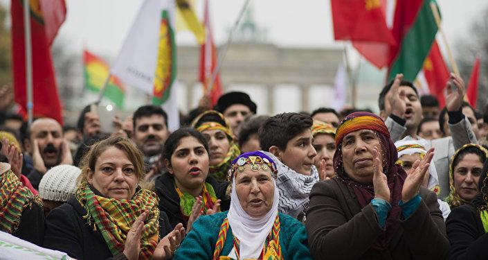 Almanya'daki Kürtler Köln'de bir araya geldi: Diktatörlüğe hayır 68