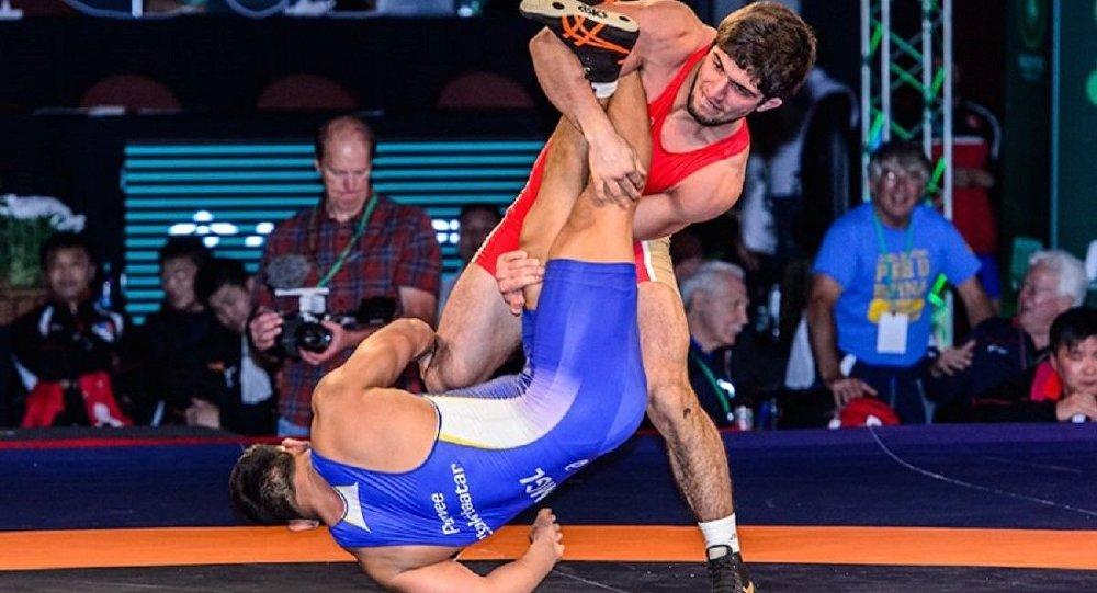Rus güreşçi Dauren Kurugliev