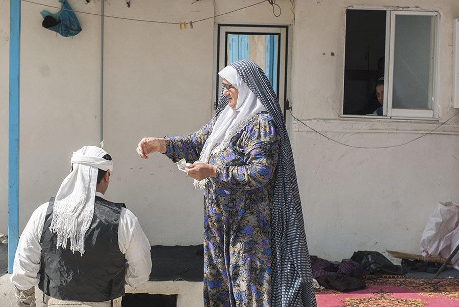Nevruz, ailece kutlanan bir bayram fakat çoğu zaman köyün tamamı buna dahil oluyor. Bayramda misafirlerden para toplamak adettendir.