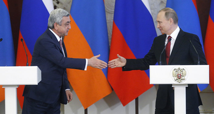 Ermenistan Cumhurbaşkanı Serj Sarkisyan ve Rusya Devlet Başkanı Vladimir Putin