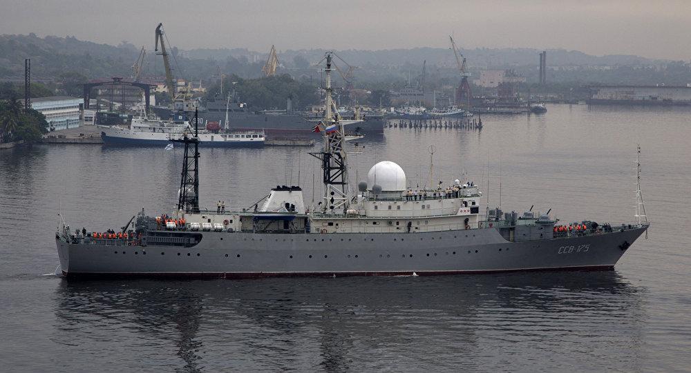 Rus istihbarat gemisi Viktor Leonov