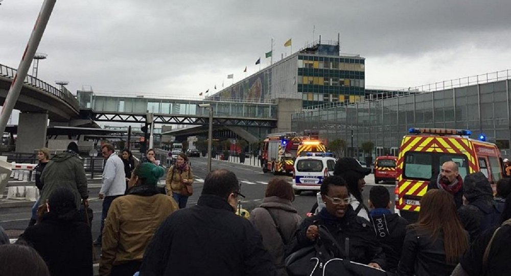 Paris'te Orly Havalimanı tahliye edildi