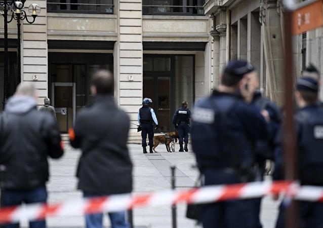 Fransa mali savcılığında polis araması