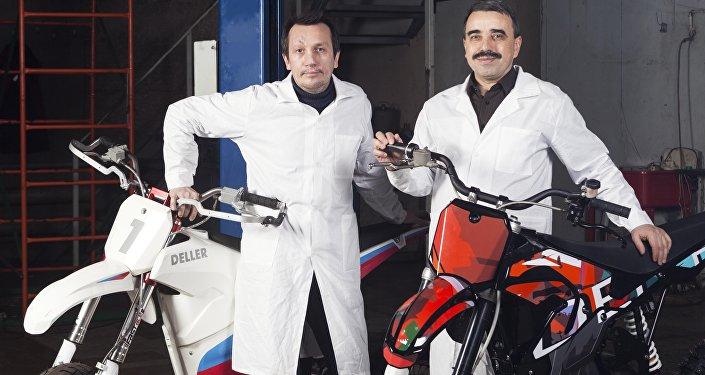 Vladimir Petrov ve Daniel Başmakov