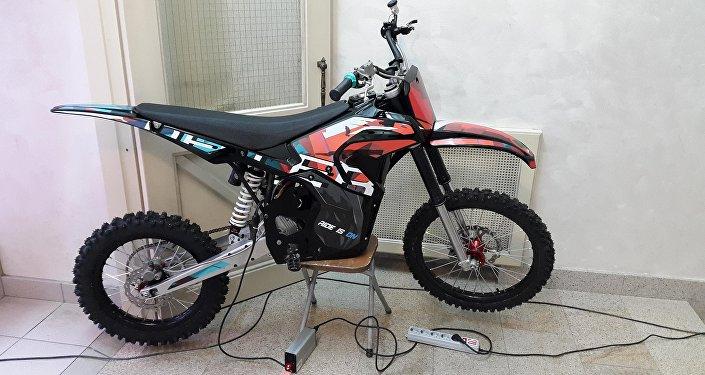 Deller elektrikli motosiklet