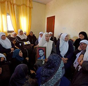Filistinliler, öldürülen Mazen Fukaha'nın yasını tutuyor