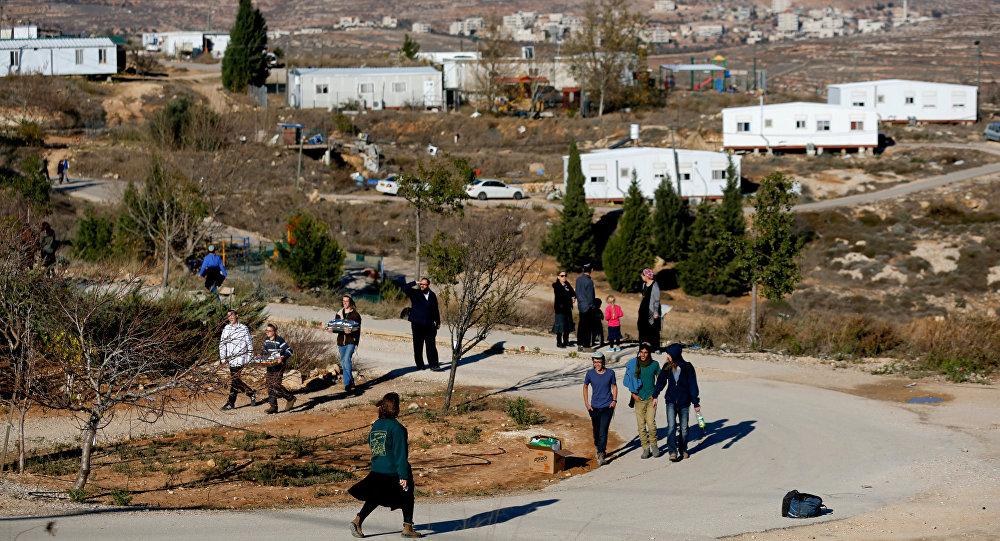 Batı Şeria'da yasadışı bir Yahudi yerleşim yeri