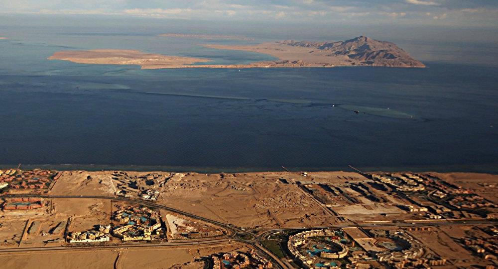 Mısır topraklarını Suudi Arabistan'a sattı