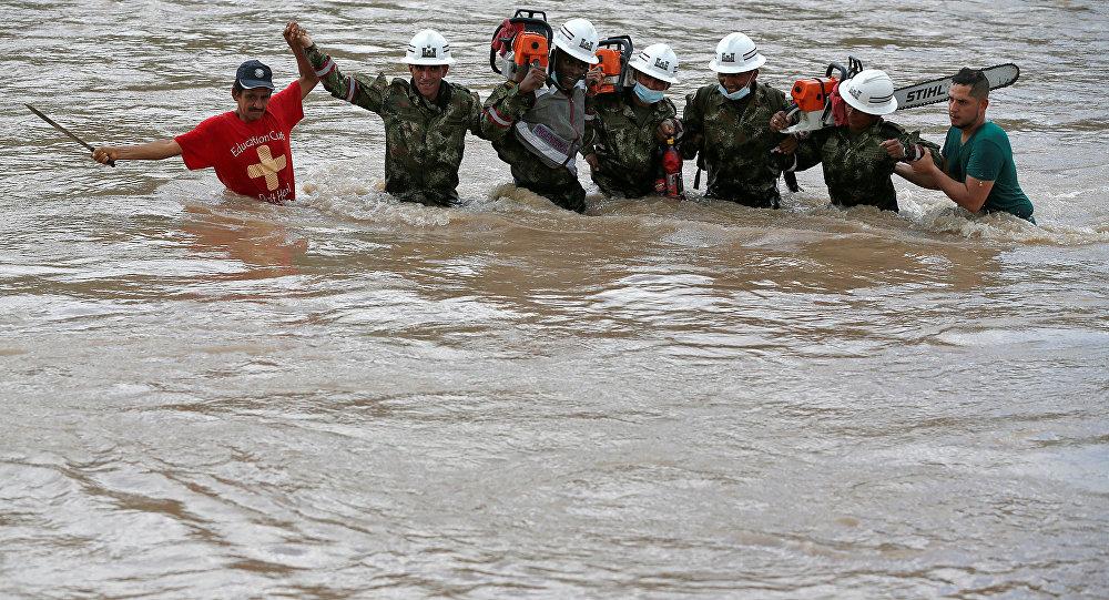 Kolombiya'da sel ve toprak kayması yüzlerce can aldı