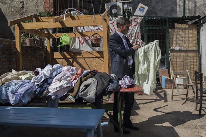 Kapılar Mülteci Dayanışma Evi'nde sığınmacıların ihtiyaçları karşılanmaya çalışılıyor.
