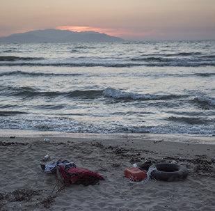 Kuşadası Davutlar açıklarında batan mülteci botunda bulunan 22 Suriyeli göçmenden 11'i yaşamını yitirdi