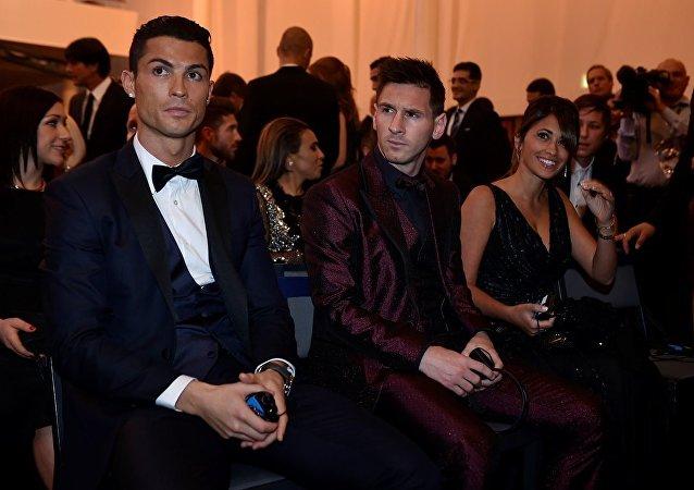 Cristiano Ronaldo - Lionel Messi - Antonella Roccuzzo