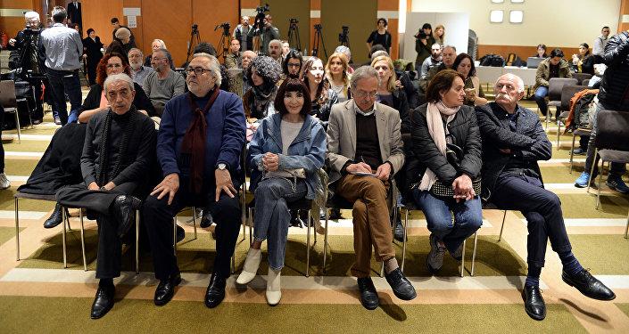 250 sanatçıdan ortak referandum açıklaması