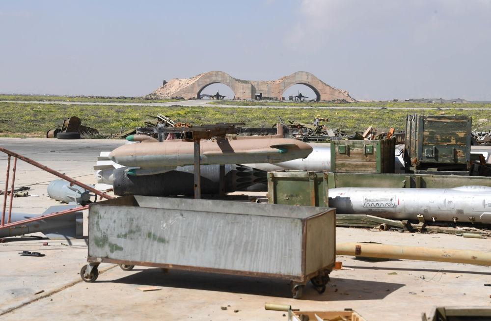 Suriye'deki Şayrat hava üssünden özel görseller.