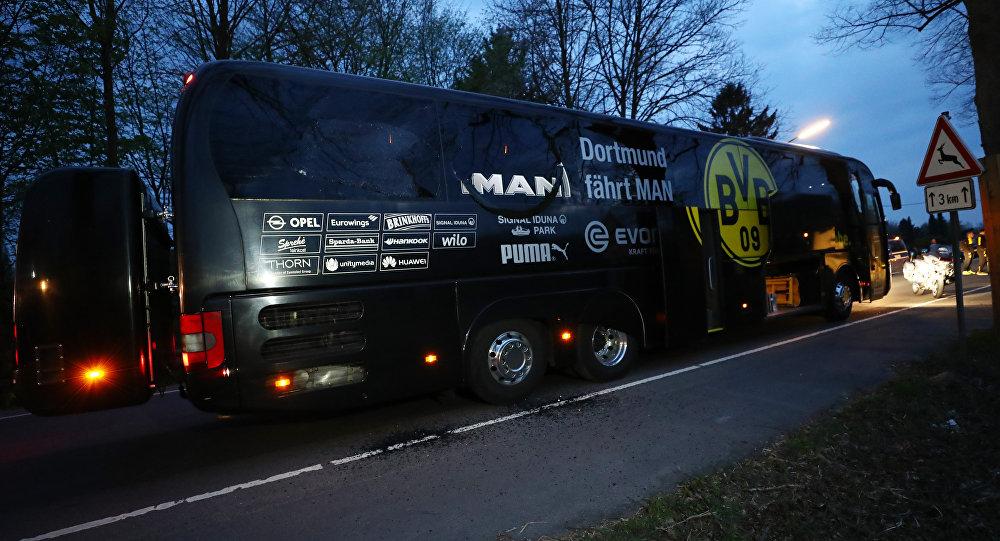 Borussia Dortmund takım otobüsü yakınında patlama