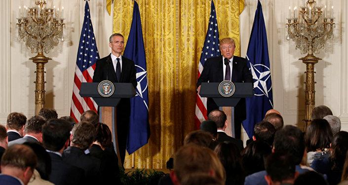 ABD Başkanı Donald Trump ile NATO Genel Sekreteri Jens Stoltenberg