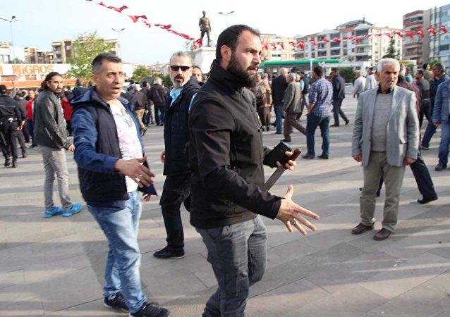 HDP'nin Edremit'teki mitinginde satırlı saldırı girişimi