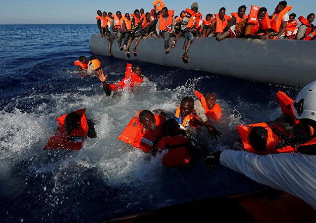 Libya açıklarında kurtarılan sığınmacılar