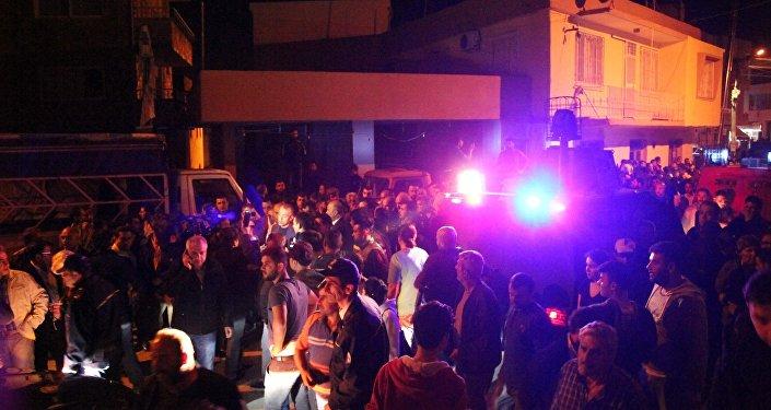 Mersin'de mahalleli ve Suriyeliler birbirine girdi