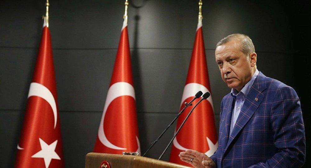 Cumhurbaşkanı Recep Tayyip Erdoğan, Huber Köşkü'nde basın mensuplarına açıklamalarda bulundu.