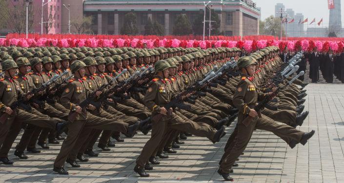 Kuzey Kore'nin kurucusu Kim İl-sung'un 105. doğum günü vesilesiyle düzenlenen kutlama etkinlikleri.