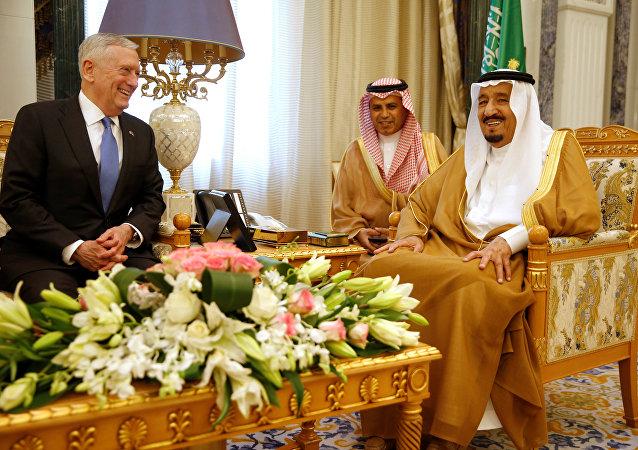 ABD Savunma Bakanı James Mattis- Suudi Arabistan Kralı Selman bin Abdulaziz