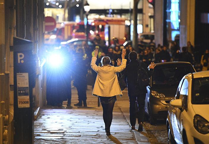 Paris'teki terör saldırısının ardından bölgede yoğun güvenlik önlemleri alındı.