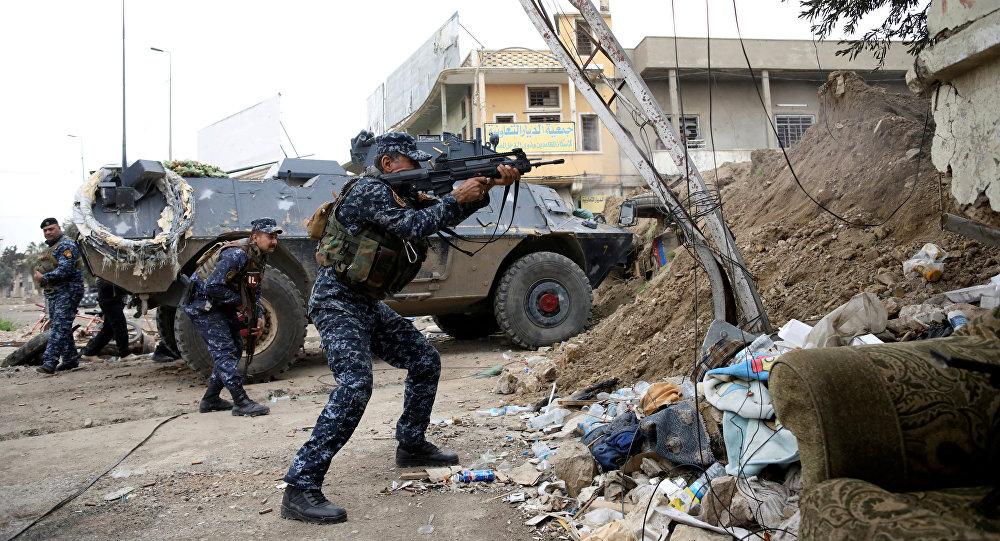Irak ordusu mensubu Musul'da IŞİD'e karşı savaşıyor