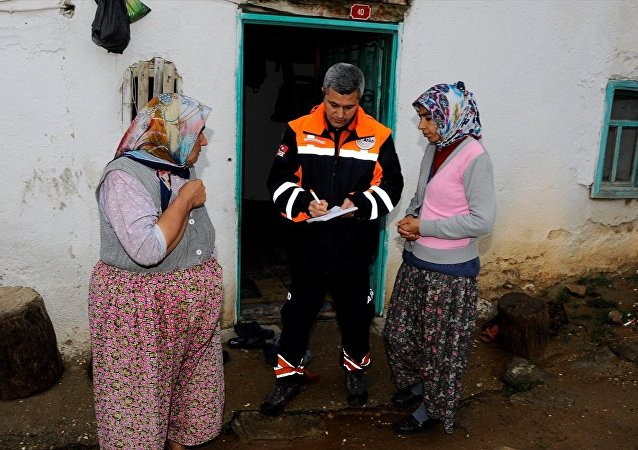 Manisa'daki deprem sonrası hasar tespit çalışmaları