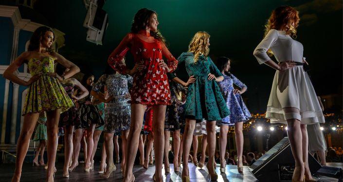 Выступление финалисток конкурса Российская красавица 2017
