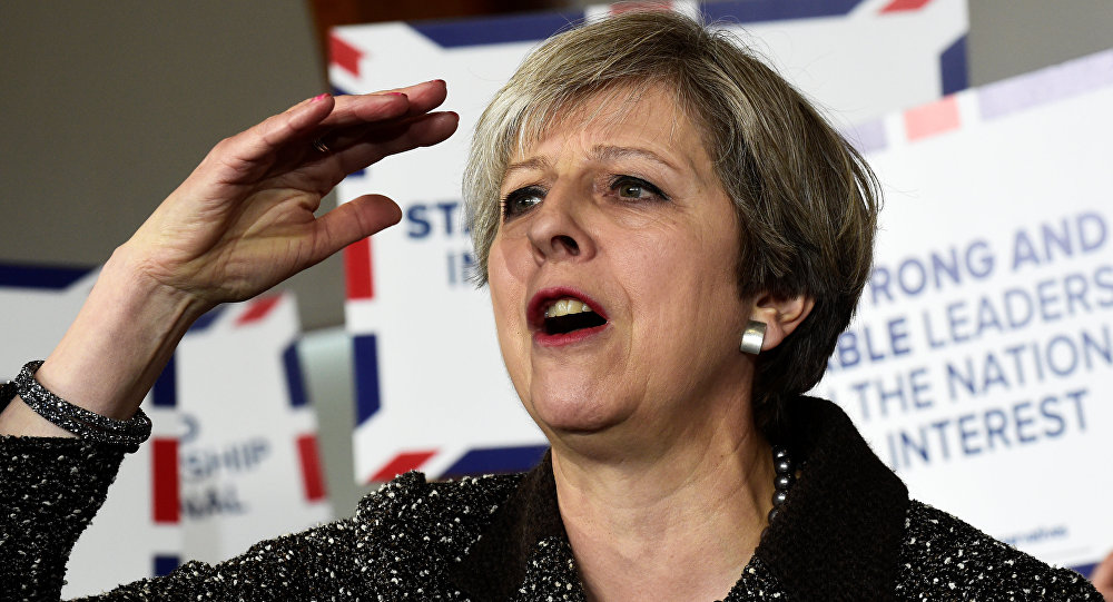 İngiltere: iktidar partisi oylarını arttırdı