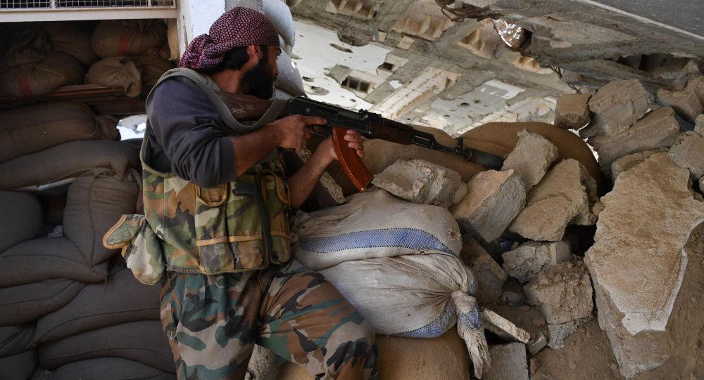 Suriye ordusu, IŞİD'in tüm saldırılarını püskürüyor.