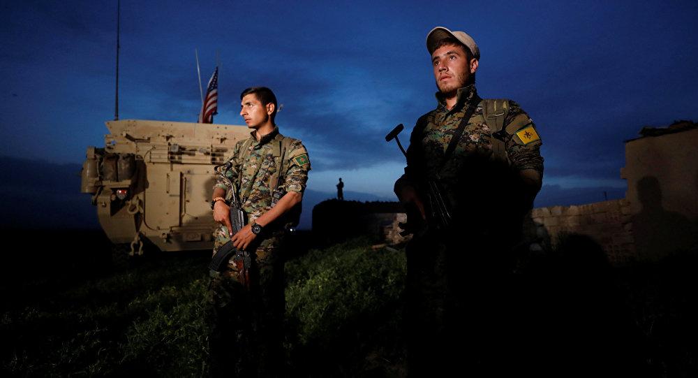 ABD'li askerler YPG'yle birlikte sınır nöbetinde