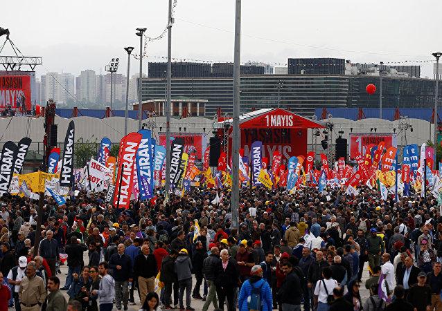 İstanbul'un Bakırköy ilçesinde 1 Mayıs kutlamaları
