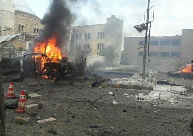 IŞİD Azez'de bombalı araçla saldırdı