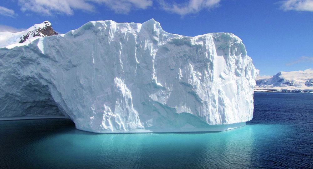 BAE, Antarktika'dan buzdağı taşıyacak