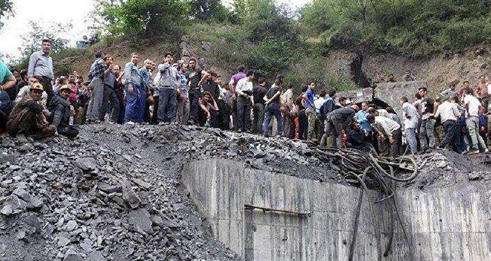 İran'da kömür ocağında patlama meydana geldi