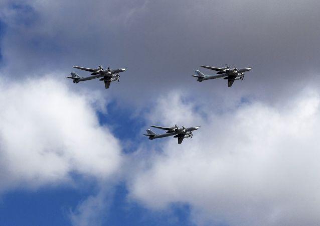 Tu-95MS stratejik bombardıman uçakları.