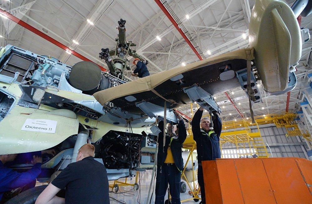 Ka-52 Alligator en modern havacılık elektronik cihazlarıyla ve çeşitli görevlere göre konfigürasyonu değiştirebilen güçlü saldırı silahlarıyla donatılmış durumda.