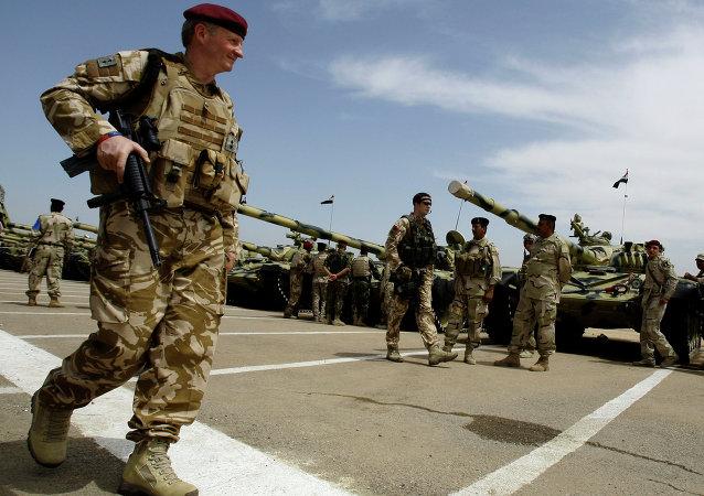 İngiliz askeri / İngiltere askeri