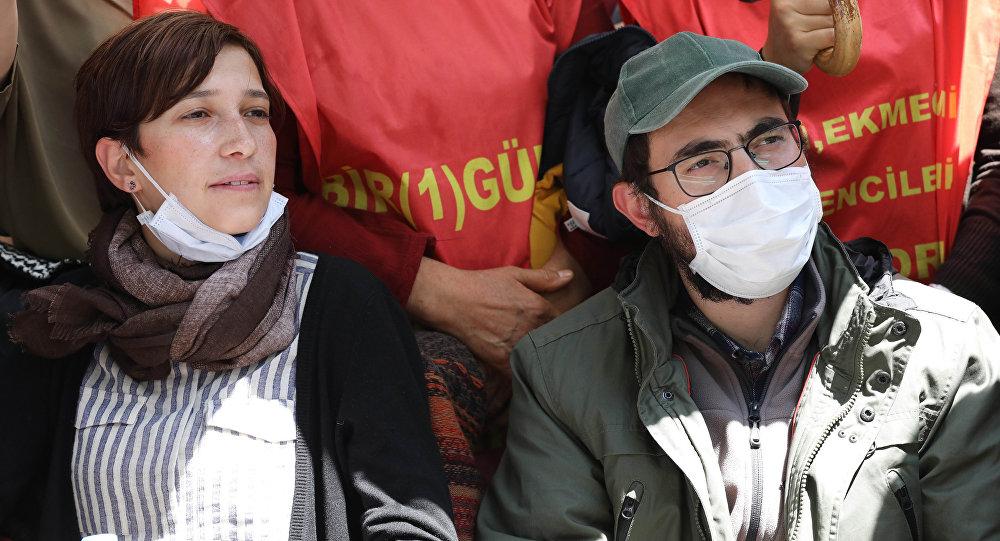 Özakça'nın eşi ve annesine yapılanlar Filistinlileri hatırlattı