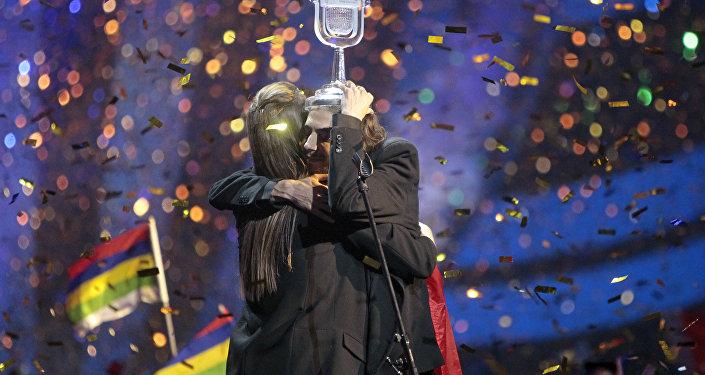 Eurovision 2017 Şarkı Yarışması'nı Portekiz'den Salvador Sobral  'Amar pelos dois' adlı şarkısıyla kazandı