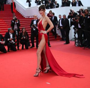 Cannes Film Festivali'nin en cesur kıyafetleri