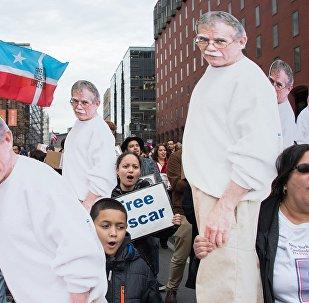 Porto Rikolu milliyetçi Oscar Lopez Rivera'nın serbest kalmasını isteyen eylemciler