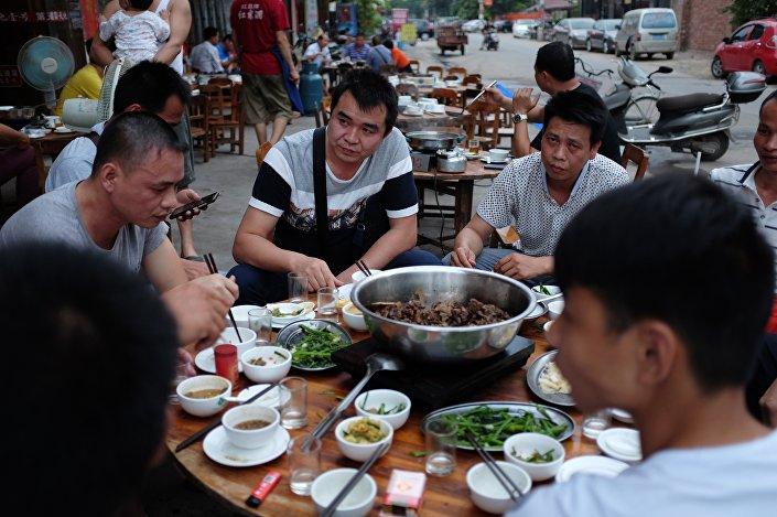 Yulin Köpek Eti Festivali