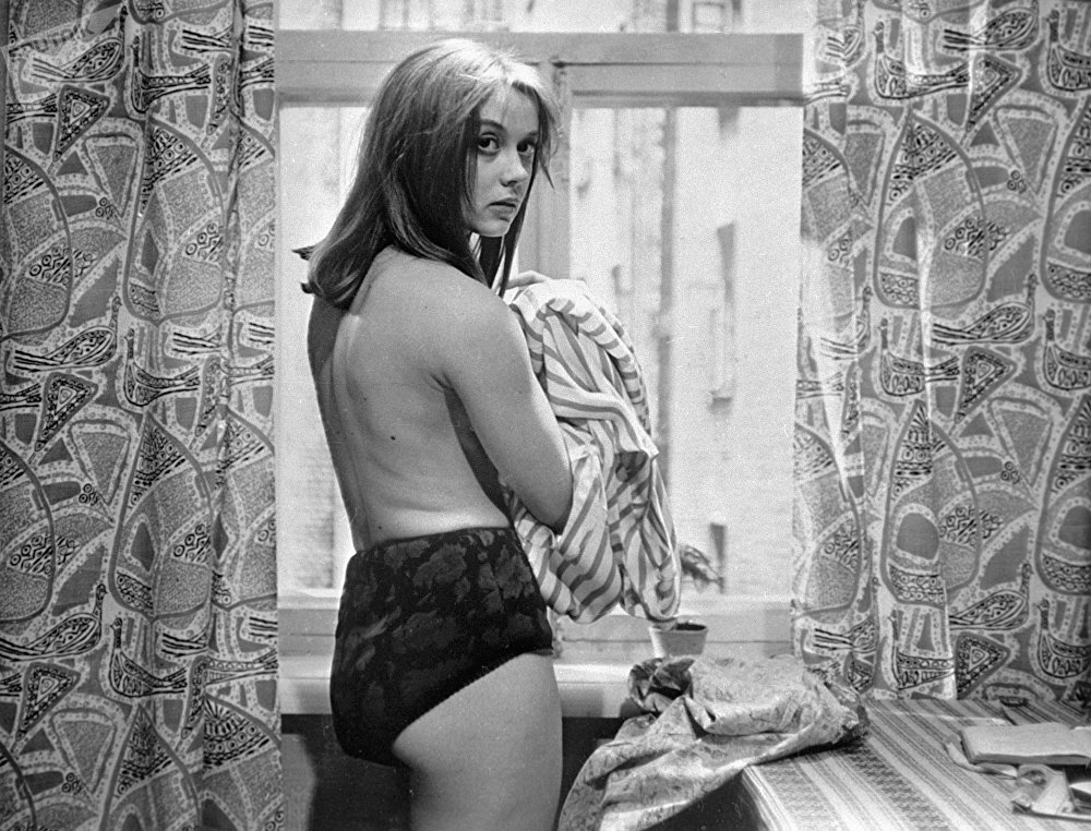 'Zerkalo' (Ayna), 'Belaruskiy vokzal' (Belarus istasyonu) gibi filmlerde rol alan Margaret Terejova
