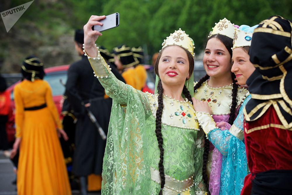 Tiflis'te Milli Kıyafet Günü kutlamaları