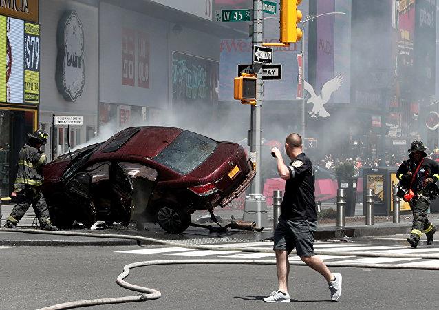 Richard Rojas'ın Times Meydanı'nda yayaların üzerine sürdüğü araç