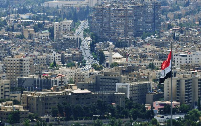 İsrail Suriye'yi vurdu ordu birlikleri anında karşılık verdi